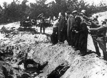 einsatzgruppen-nazi-death-squads-005.jpg