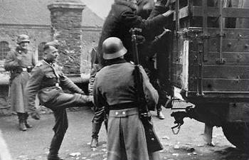 einsatzgruppen-nazi-death-squads12.jpg