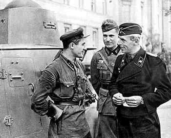 german-army-russian-army-poland-1939.jpg