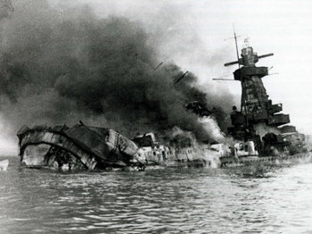 german-pocket-battleship-graf-spee-sinking-following-battle-of-river-plate-in-uruguay.jpg
