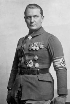hermann_goering_1925.jpg