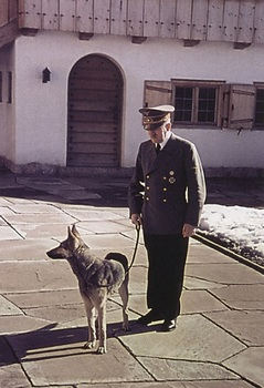hitler-with-dog-on-lead.jpg