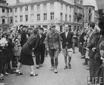 prison_captured_german_mihiel_1944.jpg