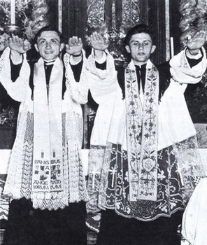 ratzinger_bros_ordination.jpg