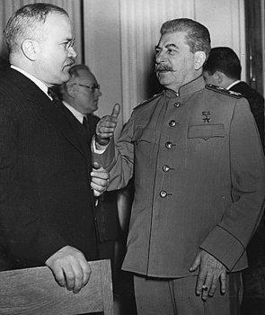 stalin-molotov.jpg