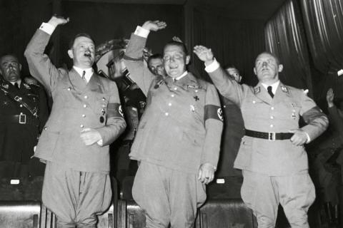 第三帝国の興亡〈1〉 ヒトラーの...