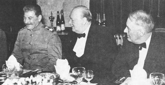 ニュルンベルク裁判 ナチ・ドイ...