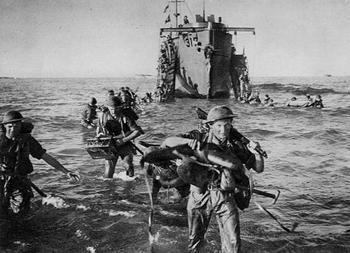 1943 Britische und amerikanische Truppen landen auf Sizilien.jpg