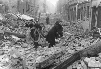 1945 Berlin.jpg