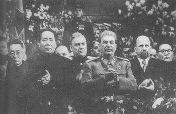 1949_Mao_Bulganin_and_Stalin.jpg