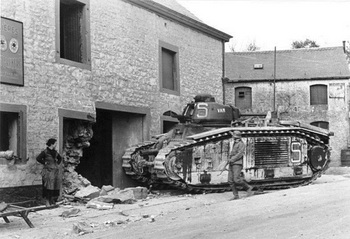 A french  Char B1  tank of the 37th battalion with the designation  Bearn II .jpg