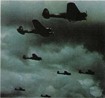 A_formation_of_Heinkel_He_111.jpg