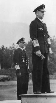 Admirał Karl Donitz_admirał Hans Georg von Friedeburg.jpg