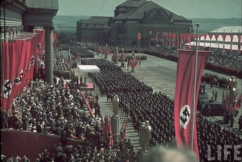 Adolf Hitler watching parades at the Reichs Veterans Day at Kassel, 4 June 1939.jpg