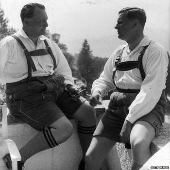 Baldur von Schirach (right) with Hermann Goering.jpg