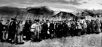 Одеські комсомольці вирушають на боротьбу з повстанцями, 1920.jpg