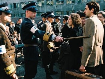 Der-Pianist Jewish ghetto Polizei.jpg