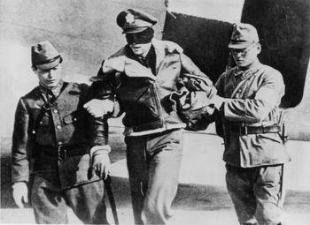Doolittle_Raider_RL_Hite_blindfolded_by_Japanese_1942.jpg