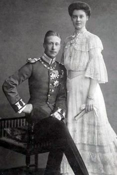 Duchess_Cecilie_of_Mecklenburg-Schwerin_and_the_German_Crown_Prince.jpg