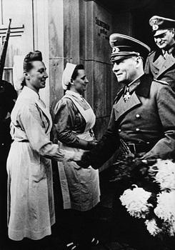 Erwin Rommel greets Nazi nurses in 1943.jpg