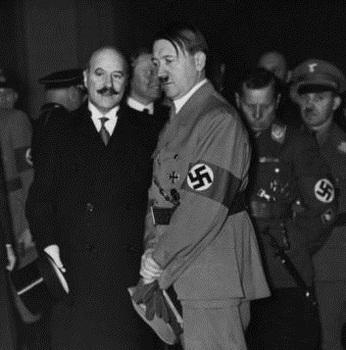 François-Poncet _Hitler 1935.jpg