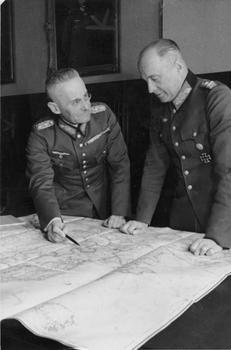 Franz_Halder_und_Walther_v__Brauchitsch.jpg