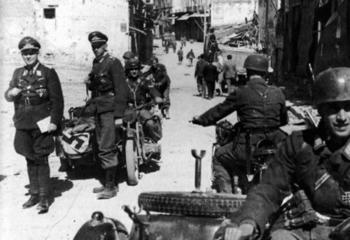 General Kurt Student at Crete, May 1941.jpg