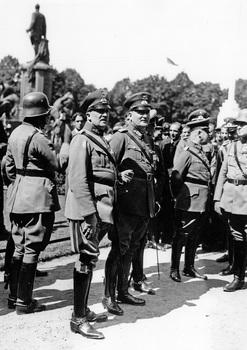 General Kurt von Schleicher (Foto von 1932.jpg