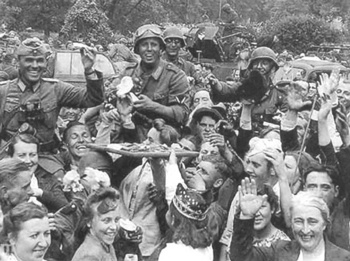 German army greeted as liberators . Estonia 1941.jpg