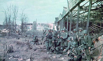 German troops in Stalingrad.jpg
