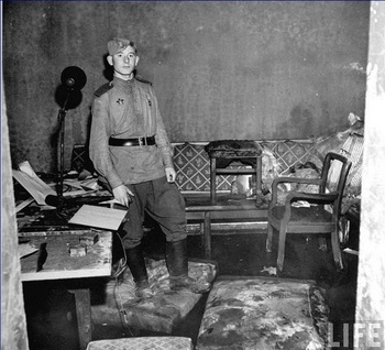 Goebbels' room in the Fuehrer's bunker.jpg