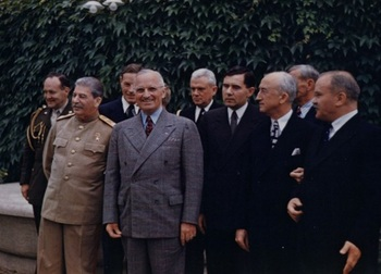 Harry_S__Truman_and_Joseph_Stalin_meeting_at_the_Potsdam_Conference_on_July_18,_1945.jpg