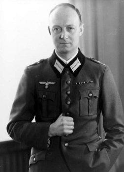 Henning von Tresckow.jpg