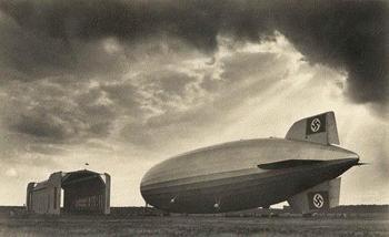 Hindenburg1937-hanger.jpg