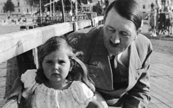 Hitler and Helga Goebbels.jpg