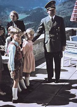 Hitler, together with Albert Speer Jr. and Hilde Speer in the Obersalzberg, 1942..jpg