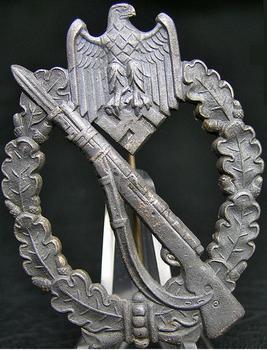 Infanterie Sturmabzeichen.jpg