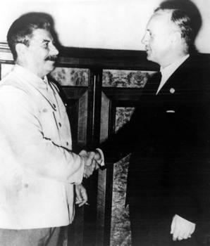 Josef Stalin _von Ribbentrop.jpg