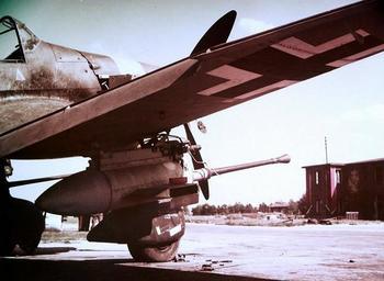 Ju 87G con el antitanque Flak de 37 mm en Pilsen.jpg