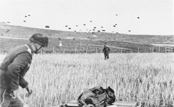 Kreta,_Landung_von_Fallschirmjägern.jpg