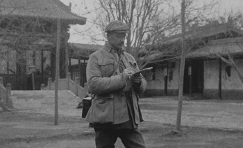Mannerheim taking notes during his 1906-1908 Asia Expedition.jpg