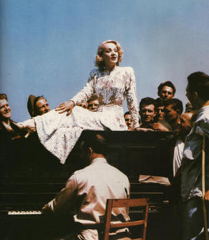 Marlene Dietrich_hospital on the Italian front in May,1944.jpg
