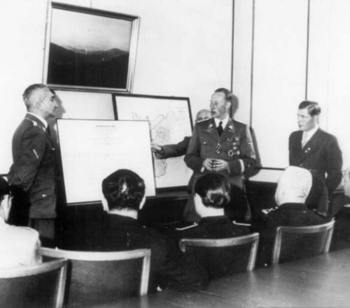 Nebe,Heydrich,with Walter Schellenberg on the far right.jpg