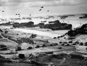 Normandy-supply-effort_1944.jpg
