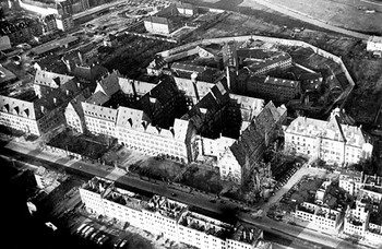 Nuremberg Palace of Justice in Winter 1945-46.jpg