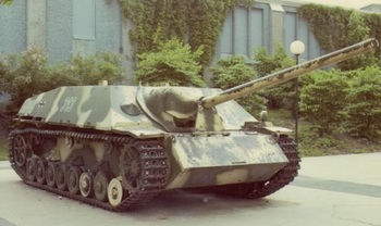 Panzer IV/70(V) is in a museum in Ottawa, Canada.jpg