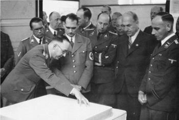 Planung und Aufbau im Osten_Heß und Himmler,Bouhler, Daluege,Konrad Meyer.jpg