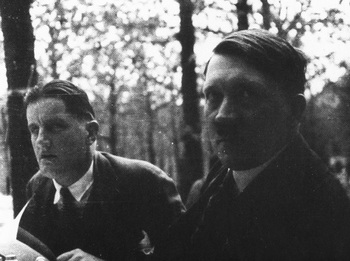 Putzi Hanfstaengl and Adolf Hitler at the Cafe Heck in Munich in the 1920s.jpg