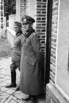 Rommel_hoth 1940.jpg