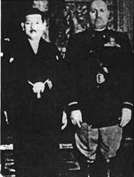 Sasakawa with Mussolini.jpg